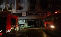 Cháy lớn cửa hàng quầnáo trẻ em cao cấp ở Ninh Hiệp -  Hà Nội trong đêm