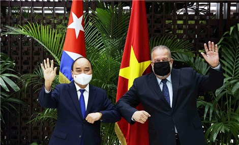 State President Phuc meets with Cuban Prime Minister in Havana