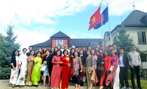 Cộng đồng người Việt góp phần kết nối thương mại Việt Nam - Thụy Sỹ