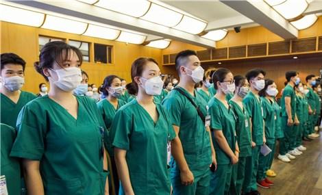 Ngày trở về của các bác sĩ bệnh viện Bạch Mai