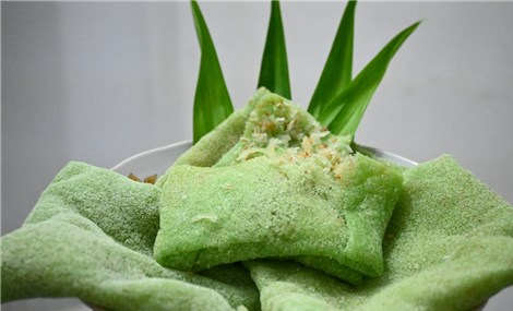 Khmer-style crepe in Tra Vinh