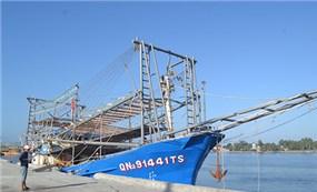 Việt Nam lên án tàu Trung Quốc cướp tài sản của ngư dân ở Hoàng Sa