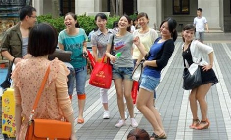 Feature Chinese tourists with deep pockets increasingly spurring Vietnam's economy