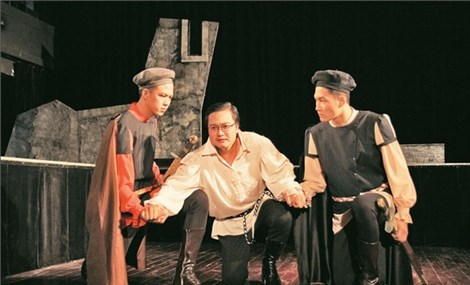 People's Artist Le Tien Tho Vietnamese theatre lags behind the rest of the world
