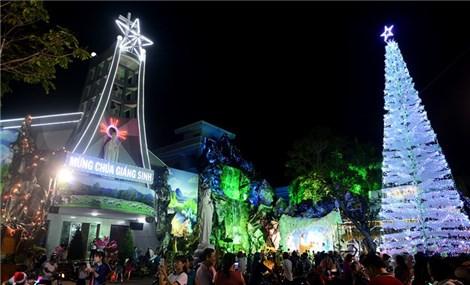 Most spectacular Christmas displays in Vietnam