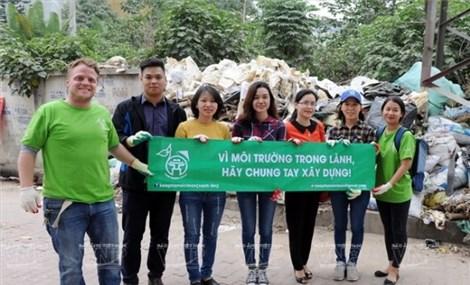 """""""Keep Hanoi Clean"""" green up capital city"""