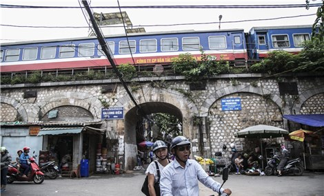Under the bridge Hanoi's railway residents happy about renovation plan