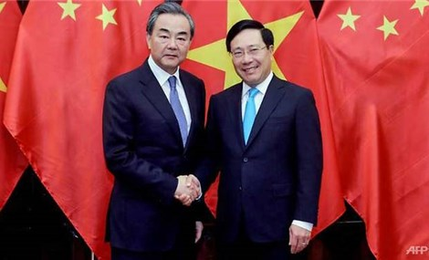China, Vietnam promise to keep peace in South China Sea.