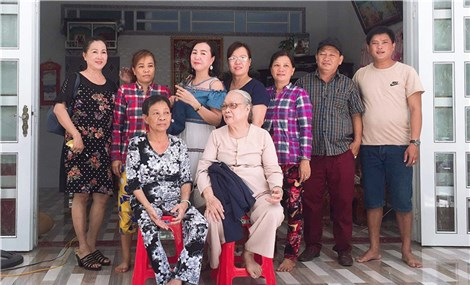 Back from the dead Vietnamese woman returns home after 50 years
