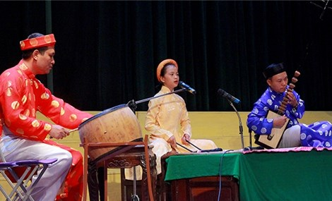 Nghi Xuan district residents work to keep folklore melodies alive