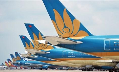Gradually reopening international air routes