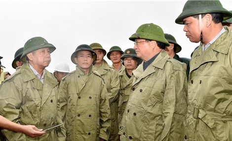 Deputy PM visits central Vietnam as region gears up for impending storm