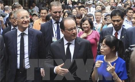 法媒对法国总统访问越南进行密集报道
