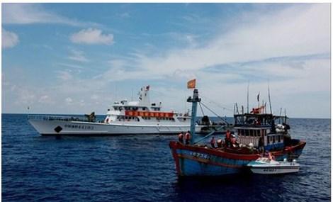 东海三个阶段、四种挑战、两个地区途径以及一种信任机制