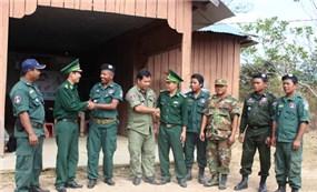 Đối ngoại Quốc phòng Việt Nam - Campuchia Kết nghĩa dân cư, giúp đỡ chí tình