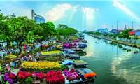"""Làm mới Chợ hoa xuân """"Trên bến dưới thuyền"""" tại TP Hồ Chí Minh"""