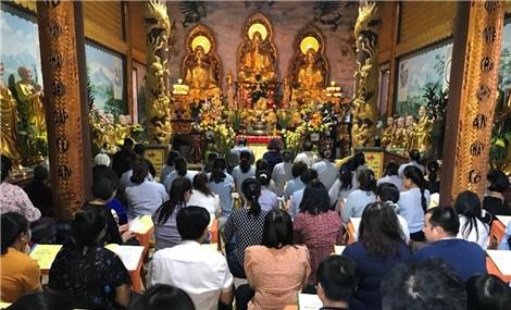 Cộng đồng người Việt tại Lào đón Tết Nguyên tiêu, cầu quốc thái dân an