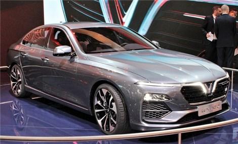 VinFast được báo châu Á đặt ngang hàng Tesla về xe chạy điện