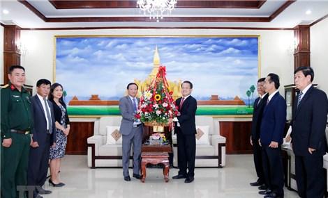 ĐSQ Việt Nam chúc mừng 66 năm ngày thành lập Đảng NDCM Lào