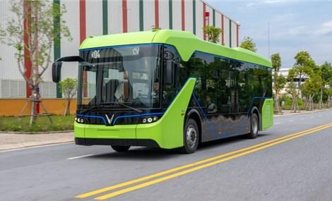 Xuất hiện trên đường phố, xe buýt điện VinFast sắp hoạt động ở Hà Nội?