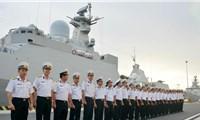 Tàu hộ vệ Việt Nam diễn tập ở Trường Sa