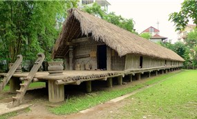 The extraordinary wooden houses of Central Vietnam