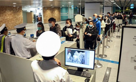 Vietnam to accept three groups of people with vaccine passport