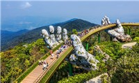 Golden Bridge Ba Na Hills was voted as a new wonder of the world by British newspapers