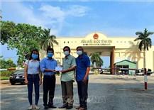 Kiên Giang hỗ trợ người gốc Việt tại Campuchia gặp khó vì dịch COVID-19