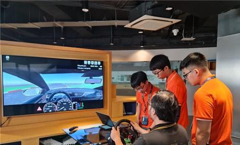 """Hệ thống đào tạo lái xe """"Make in Vietnam"""" FPT Hola chính thức ra mắt"""