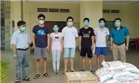 Đại sứ quán Việt Nam tại Campuchia luôn sát cánh cùng bà con trong dịch Covid-19