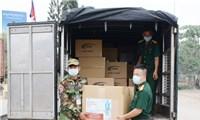 Trao tặng vật tư y tế phòng, chống dịch Covid-19 cho Bộ Quốc phòng Campuchia