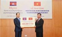 Việt Nam ủng hộ Campuchia 300.000 USD để phòng, chống dịch COVID-19