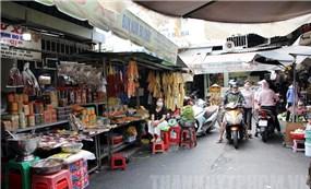 """""""Chợ Campuchia"""" trong lòng trung tâm TP.HCM"""