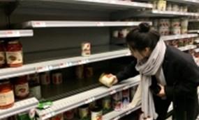 Làn sóng người dân Mỹ đổ xô mua thực phẩm tích trữ  vì lo sợ Covid-19,