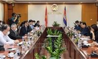 Thúc đẩy quan hệ thương mại, công nghiệp và năng lượng giữa Việt Nam - Campuchia