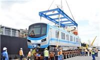 6 toa tàu tuyến metro số 1 về tới Thành phố Hồ Chí Minh