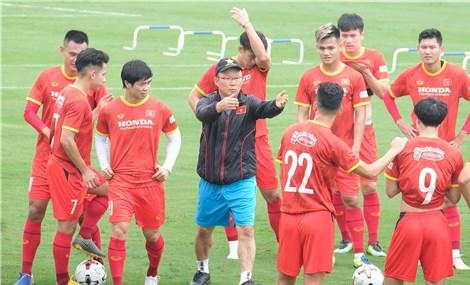 Tuyển Việt Nam đối đầu đấu thủ vô hình
