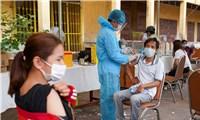 Phái đoàn ngoại giao Việt Nam tại Campuchia được tiêm chủng xong