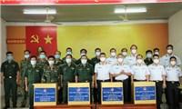 Tặng vật tư y tế phòng dịch cho Hải quân Hoàng gia Campuchia