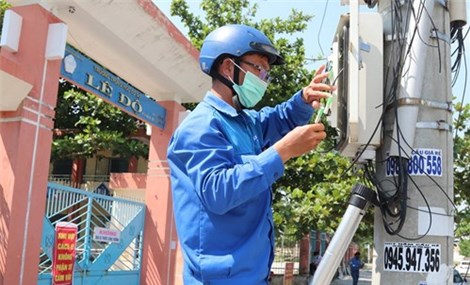 """Nền tảng thi trực tuyến """"make in Vietnam"""" giúp học sinh Đà Nẵng kết thúc năm học"""