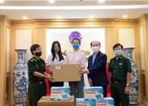 """Dàn Hoa hậu tặng 100 triệu cho dựán""""Triệu liều vaccine cho công nhân nghèo"""""""