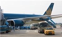 Noi Bai, Tan Son Nhat airports continue receiving foreign arrivals