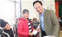 """""""Chúa đảo"""" Tuần Châu ủng hộ quỹ vắc xin 100 tỷ đồng"""