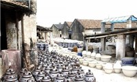 Đến với làng gốm cổ Bát Tràng