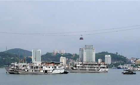 Covid-19 'nhấn chìm' du lịch hè Quảng Ninh