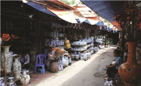 One day in the old pottery village