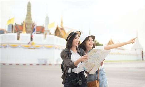 Người Việt chọn du lịch hay mua xe?