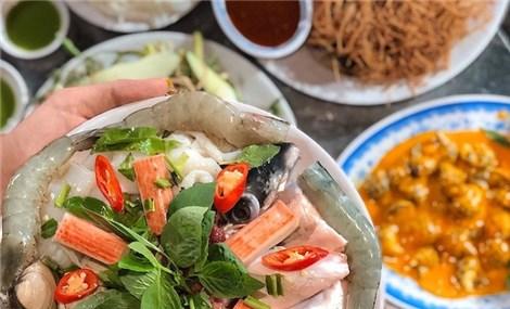 Khám phá Sài thành về đêm qua những quán ăn khuya 'ngon nhức nách'