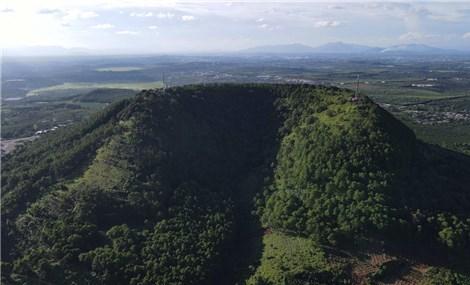 Những ngọn núi lửa hàng trăm triệu năm ở Gia Lai